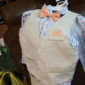 Little boys 3 piece suit with bow ties